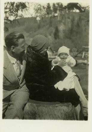 Gottfried Kumpf 1931 mit Eltern
