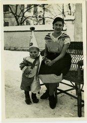 Gottfried Kumpf 1933 mit Kindermädchen