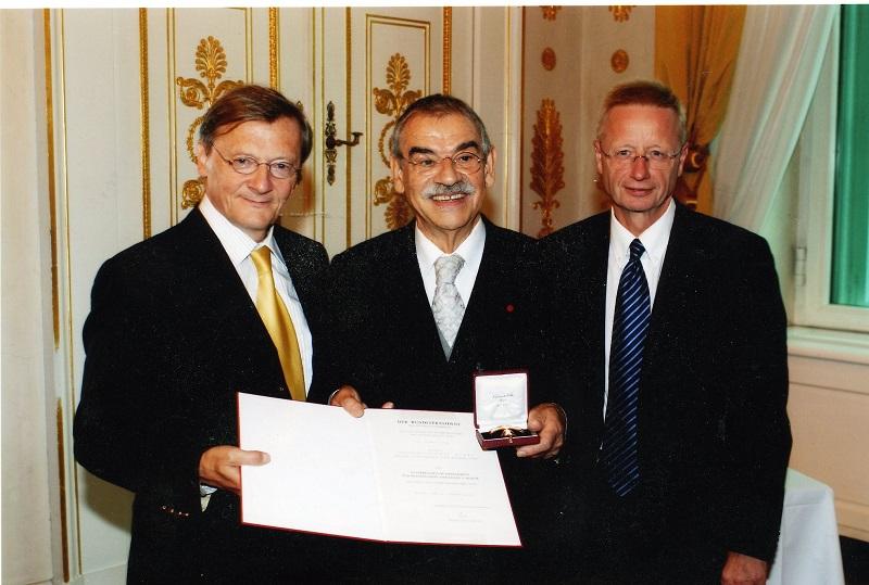 Gottfried Kumpf Bundeskanzler Dr.Wolfgang Schüssel und Staatssekretär Morak
