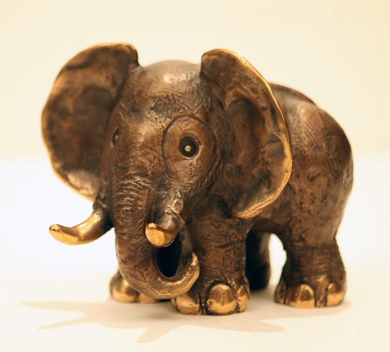 Gottfried Kumpf Elefantenmama Sabi