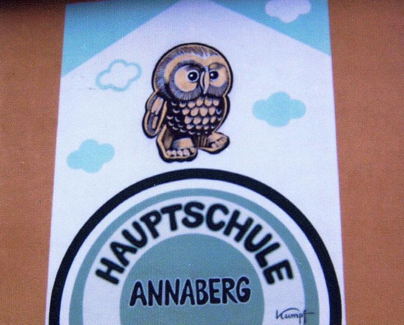 Gottfried Kumpf Einweihung des Eulenbrunnens in Annaberg Lammertal, vor der Hauptschule